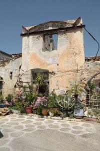 borgo parrini, Borgo Parrini: La rinascita di un borgo abbandonato