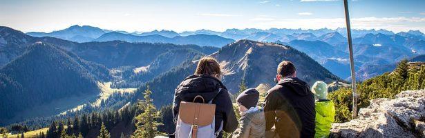 Aumentano le iscrizioni alle associazioni di trekking: Palermo riscopre la natura