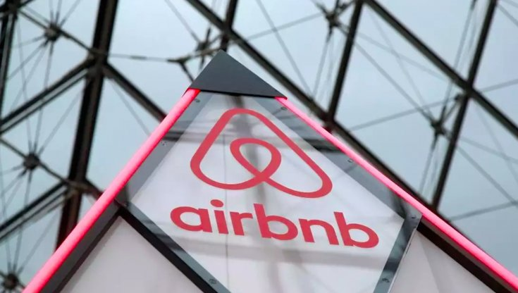 Airbnb, primo bilancio 2021: 300mila posti di lavoro, accordi con oltre 35 paesi sugli affitti