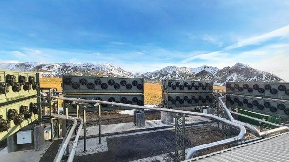 Islanda, al via il più grande impianto al mondo per la cattura di CO2 dall'aria
