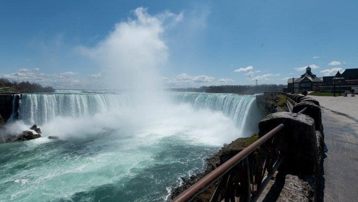 Canada-Usa, il confine terrestre più lungo del mondo riapre dopo quasi un anno e mezzo. Ma solo a metà