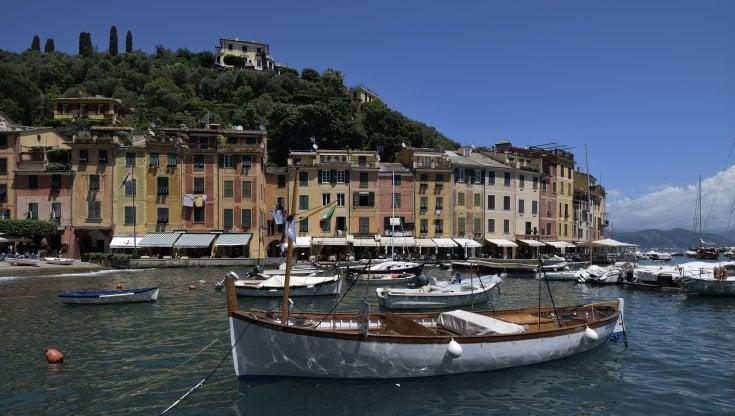 Liguria, Rapallo-Portofino a tutta lentezza. Arrivano gli scooter elettrici a nolo. Per turisti e no