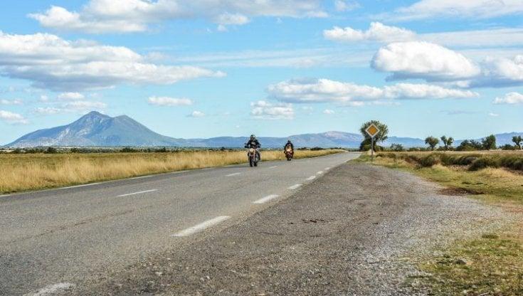 In moto per assaporare la lentezza: riscoprire la bellezza italiana in sella con il Fai