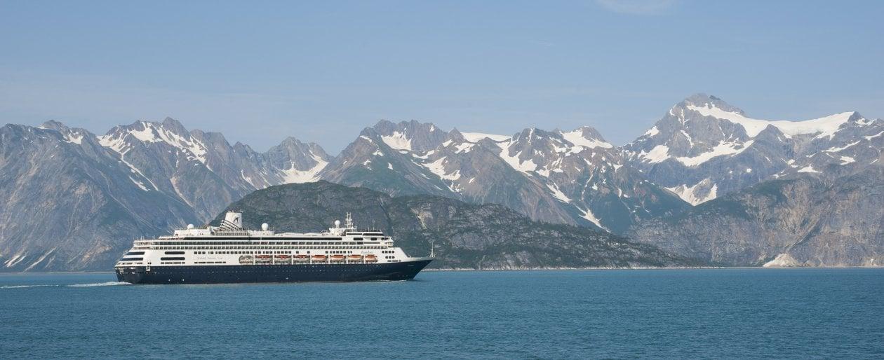 """Turismo. Biden ripristina le crociere in Alaska. Per farlo, """"contravviene"""" a una legge di 150 anni fa"""