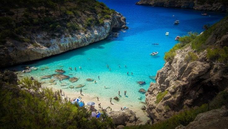 Le top 10 dell'estate: la Sicilia in testa per i voli, le Baleari per i pacchetti