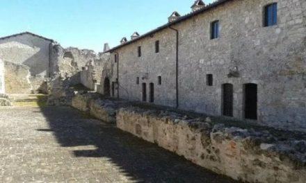 Fortezze, borghi medievali, montagne e Adriatico. Tra Abruzzo, Umbria e Marche, un'Italia che sorprende