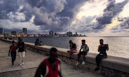 Cuba: le spiagge riaprono dopo 9 mesi, ma con obbligo di mascherina