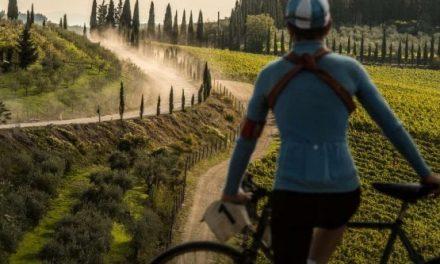 """Adotta un km di """"strade bianche"""" dell'Eroica, le più belle del mondo"""