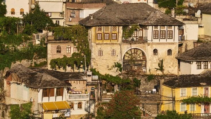 Albania. La breve estate di Argirocastro, che visse il boom del turismo una sola stagione