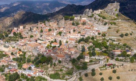 Palazzi, ville e boschi. Da Trieste alla Calabria,  600 luoghi da scoprire nelle Giornate Fai d'Autunno