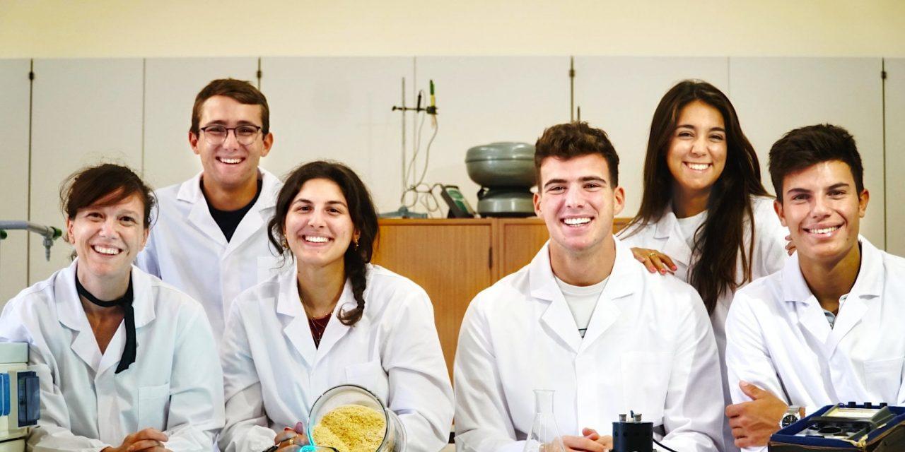 Mad for Science: il tessuto con gli scarti della mensa, premiati gli studenti del riciclo