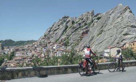 Ciclovia delle Dolomiti Lucane: 'into the wild' tra calanchi e borghi nascosti