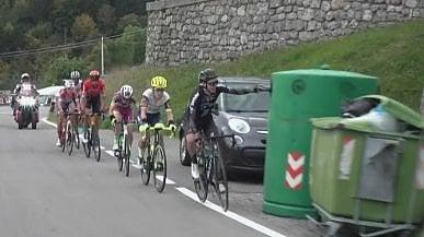Ciclismo, il beau geste di Chris Hamilton l'ecologista