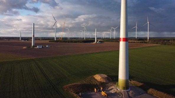 """Iea: """"Transizione troppo lenta: vanno triplicati gli investimenti nell'energia pulita"""""""